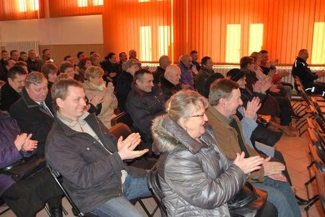 Debata na temat bezpieczeństwa w Nurze cieszyła się duży zainteresowaniem wśród mieszkańców gminy - full image