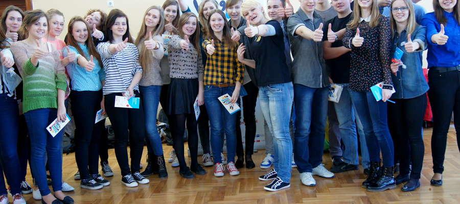 Uczniowie Liceum w Żurominie wraz z lektor Magdaleną Jurowską