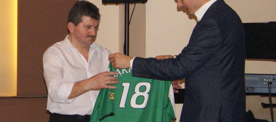 Podczas balu wylicytowana została za 1700 zł koszulka klubowa reprezentanta Polski w siatkówce Michała Bąkiewicza