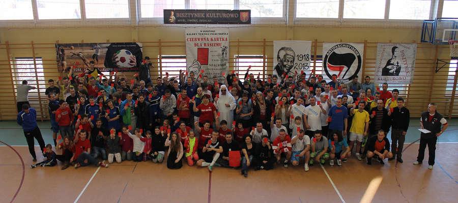 W trakcie każdego z turniejów wykonywano pamiątkowe zdjęcie wszystkich jej uczestników. Oto zdjęcie z IV Turnieju rozegranego w 2014 r.
