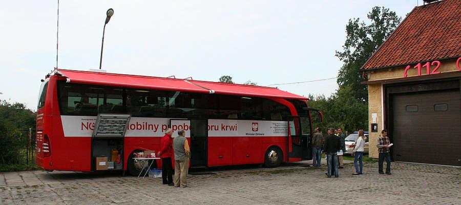 Oddaj honorowo krew w specjalnym autobusie.