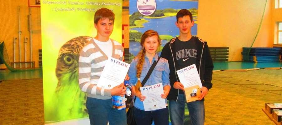Nasza drużyna w składzie Justyna Szulter, Dawid Ręmbisz i Mateusz Wiśniewski zajęła świetne III miejsce.