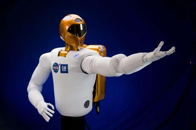 Jeden mały krok robota, wielkim krokiem dla ludzkości  - full image