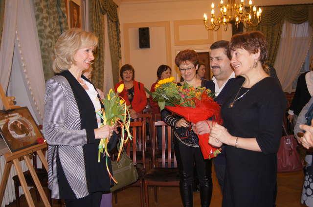 Autorka zdjęć, Teresa Andersz otrzymała słowa uznania i gratulacji - full image