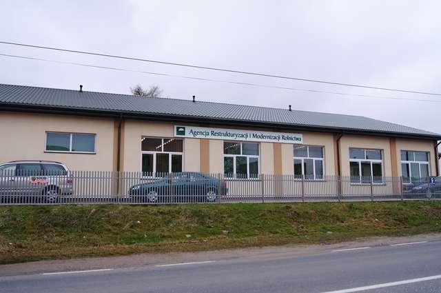 Obecnie siedziba Biura Powiatowego ARiMR mieści się w Ostrowi, przy ul. Różańskiej - full image