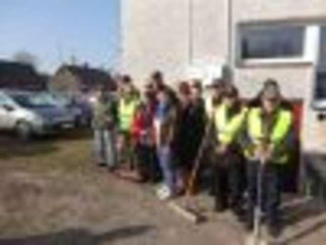 Osoby bezrobotne otrzymały szanse w zorganizowanych przez gminy pracach społecznie użytecznych - full image