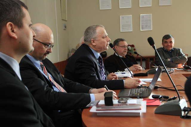 Okrągły stół w sprawie Ukrainy na UWM - full image