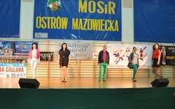 Modele i modelki wspaniale zaprezentowali się na scenie
