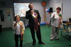 Podopieczni Środowiskowego Domu Samopomocy śpiewali wszystkim dobrze znane utwory