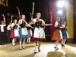 """Zespół Tańca Ludowego """"Perła"""" z Litwy. Kaziuki nad Węgorapą '2012"""
