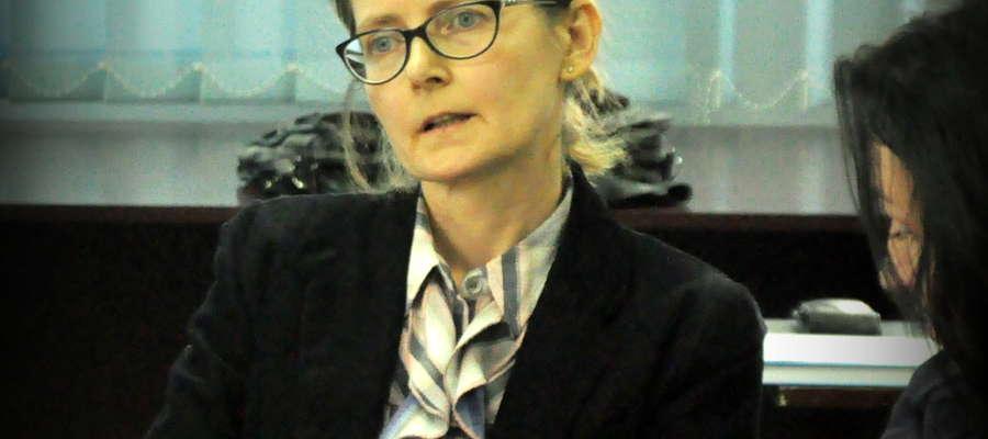 Dyrektor Danuta Przybył zaprezentowała radnym plan zagospodarowania pieniędzy