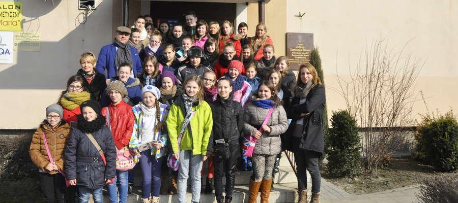 Sympatyczna grupa z Zielunia odwiedziła redakcję Kuriera