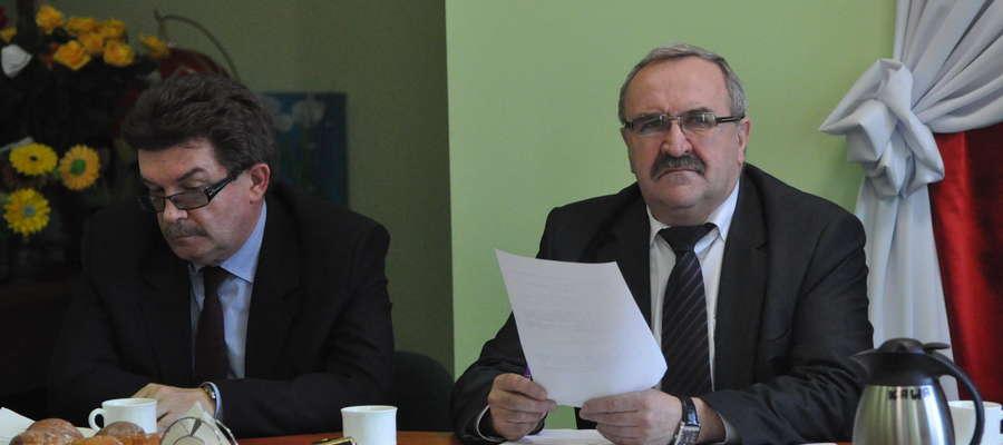 Przewodniczący Kazimierz Bulkowski uważał, że radny nie może zgłosić wniosku