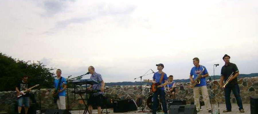 Reggaeside podczas jednego z koncertów w Amfiteatrze