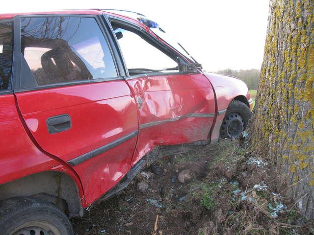 Kierowca auta trafił do szpitala