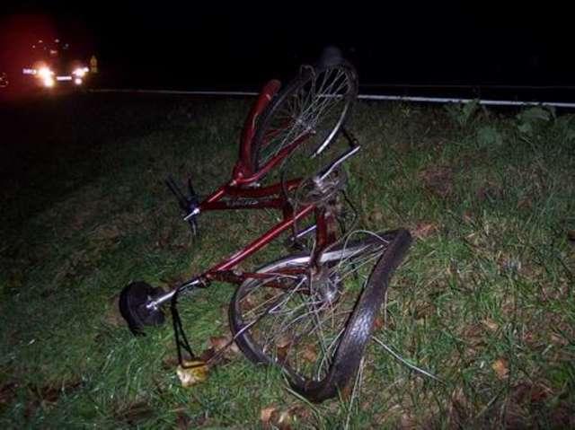 Potrącił rowerzystkę. Ranna trafiła do szpitala - full image