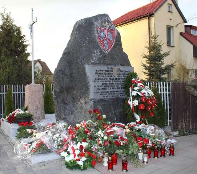 Tak prezentuje się nowy pomnik ku czci Powstańców Styczniowych  - full image