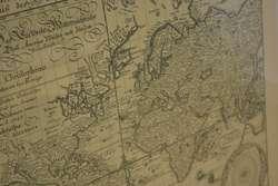 Kopia mapy świata zdobi salę reprezentacyjną ratusza