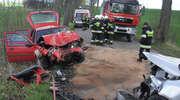 Dwóch rannych w czołowym zderzeniu skody z fordem