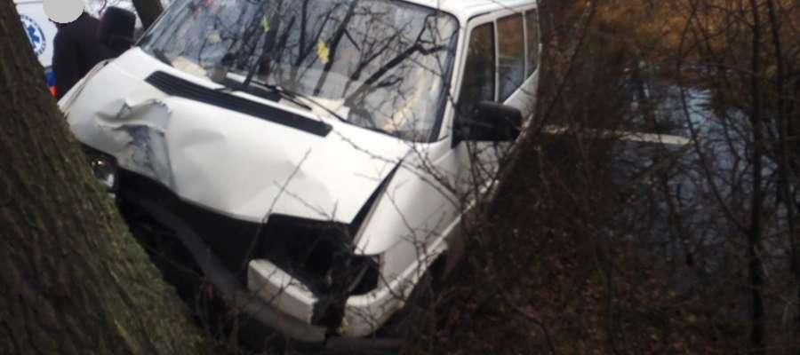 Do wypadku doszło na prostym odcinku drogi wojewódzkiej W 506 w pobliżu Chruściela