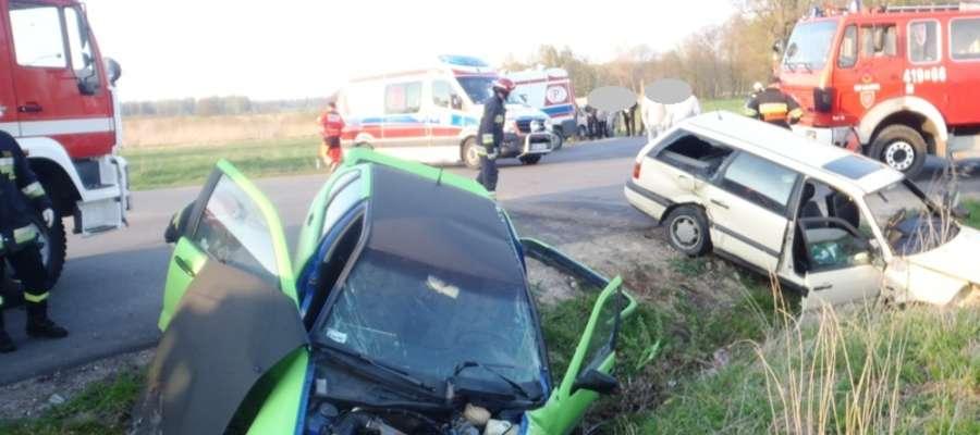 Do wypadku doszło we wtorek (22 kwietnia) około godz. 18.00 na skrzyżowaniu dróg powiatowych Żelazna Góra - Lelkowo oraz Wyszkowo - Zagaje w pobliżu Krzekot (gm. Lelkowo)