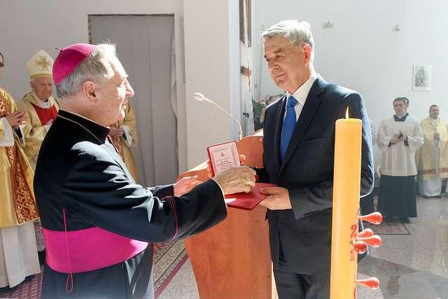 Dwa odznaczenia dla rektora Góreckiego - full image