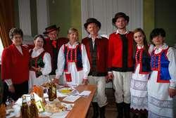 Franciszek Kesler i Zespół Pieśni i Tańca BezWianka podczas gali