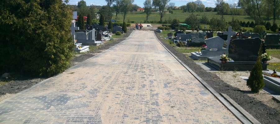 Remont odcinka prowadzącego do cmentarza