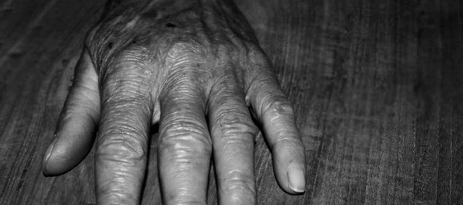 Bezczelni oszuści polują głównie na starsze osoby, które niestety w wielu przypadkach ufają przestępcom, tak było i tym razem