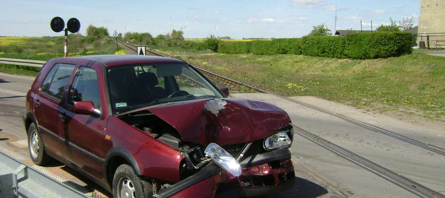 W wypadku poszkodowane zostały dwie osoby.