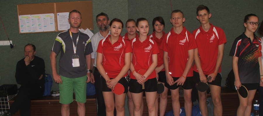 Zawodnicy i opiekunowie Salosu Sępopol w Bratysławie