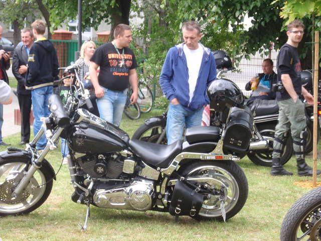 Chętnych do oglądania motocykli nie zabrakło  - full image