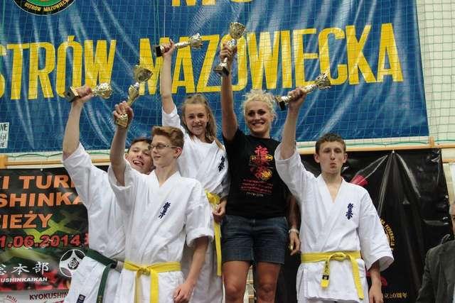 Drużyna OKKK zajęła I miejsce w klasyfikacji drużynowej - full image
