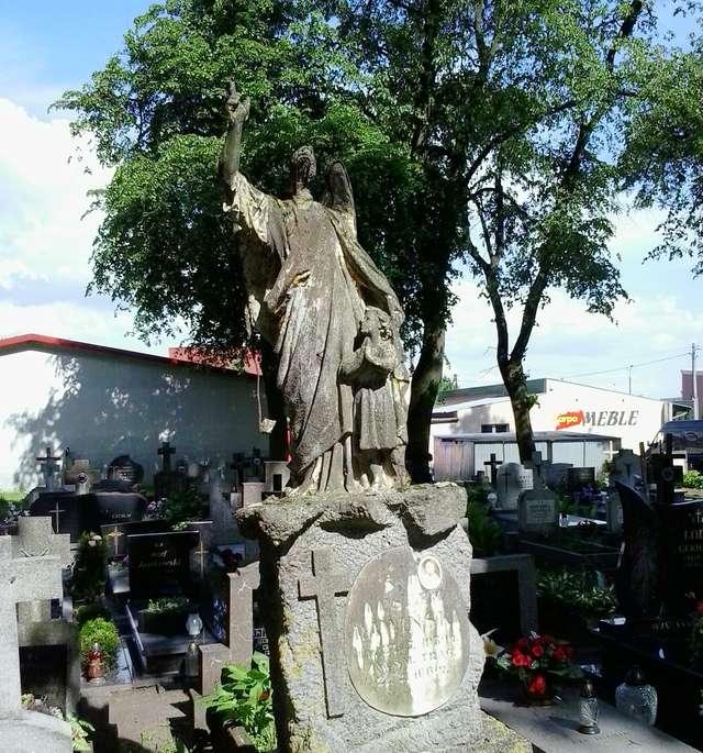 Cmentarz w Dywitach - full image