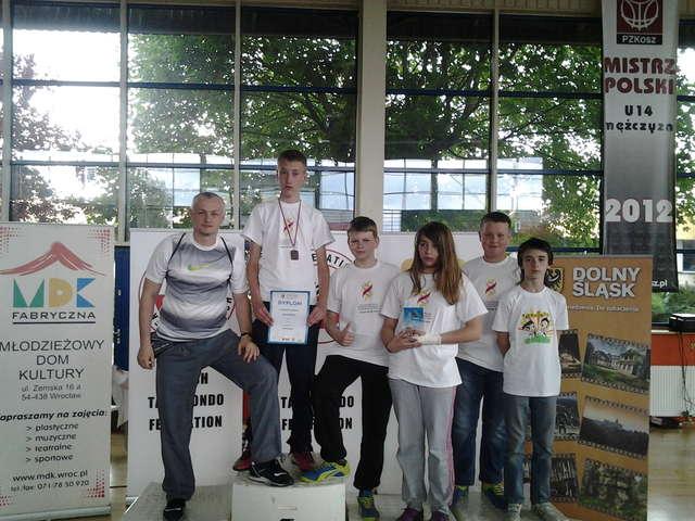 Zawodnicy z sierpeckiego klubu na Olimpiadzie we Wrocławiu - full image