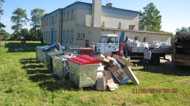 Uczniowie zebrali ponad 9 kg odpadów! - full image
