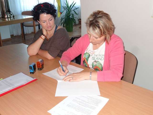 Umowy z organizacjami pozarządowymi już podpisano - full image