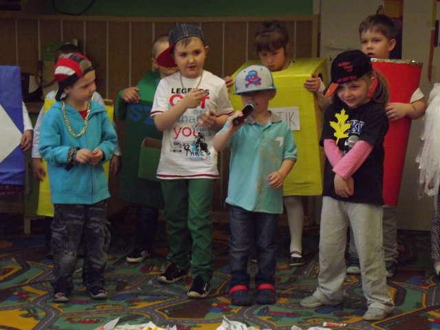 Andrzejewo. Przedszkolaki propagują ekologię - full image