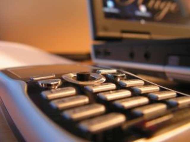 Znaleziono klucze i telefon komórkowy - full image