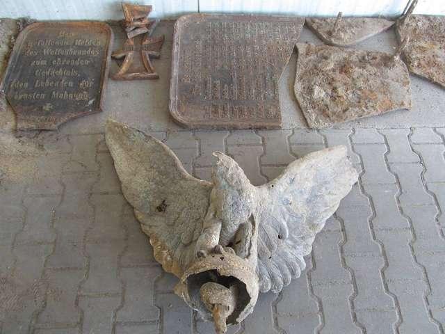 Wykopali amunicję, broń i elementy historycznego pomnika - full image