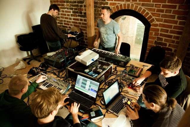 Orkiestra na tablety i smartfony. Weź udział w warsztatach! - full image