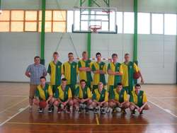 Grupa reprezentująca LKS Ostrowianka na zawodach w Zambrowie