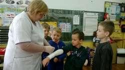 Uczniowie nauczyli się, jak postępować m.in. w razie złamania ręki