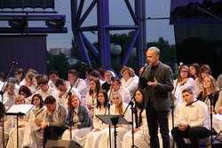 """Tegoroczny koncert """"...by świat usłyszał"""" poprowadził Radosław Pazura"""