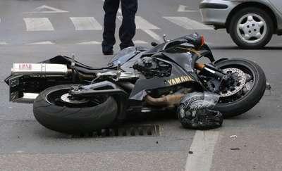 Policja poszukuje świadków śmiertelnego wypadku z udziałem motocyklisty