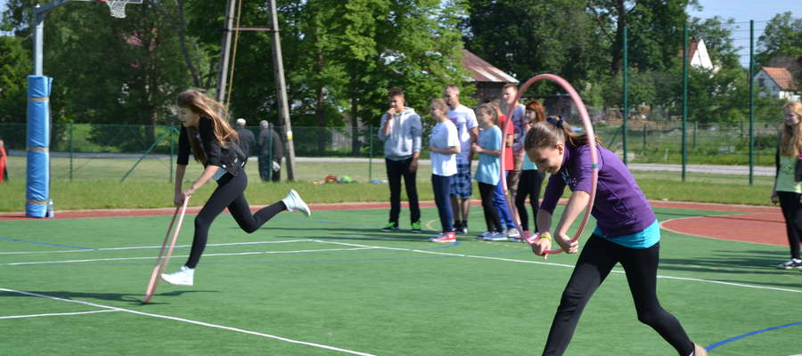 W programie przewidziano udział w drużynowych konkurencjach sportowych. Dużą popularnością cieszyły się konkursy indywidualne