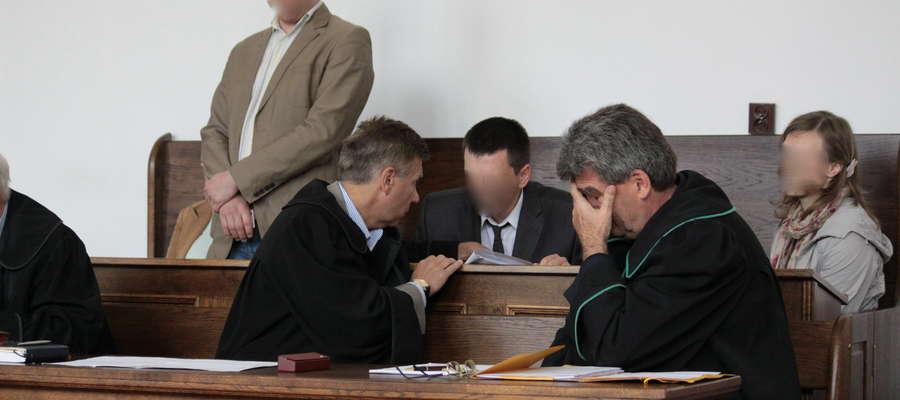 Na lawie oskarżonych zasiadły łącznie cztery osoby
