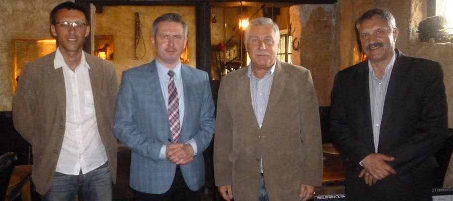 Jerzy Engel, były selekcjoner reprezentacji piłki nożnej ma przyjechać do Ostrołęki po mundialu w Brazylii.