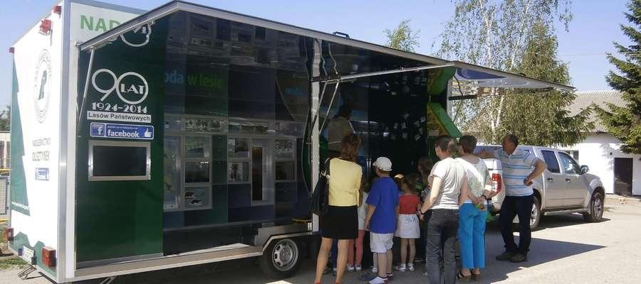 Mobilne stoisko edukacyjne w Zwiniarzu