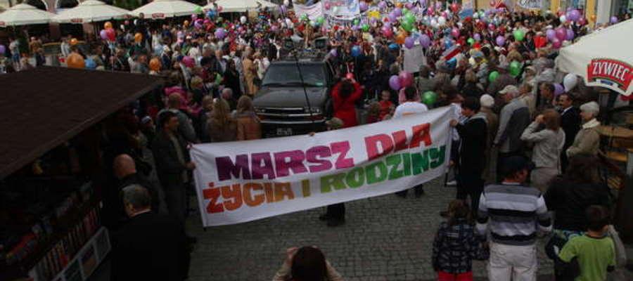 Olsztyński Marsz dla Życia i Rodziny w 2012 roku.